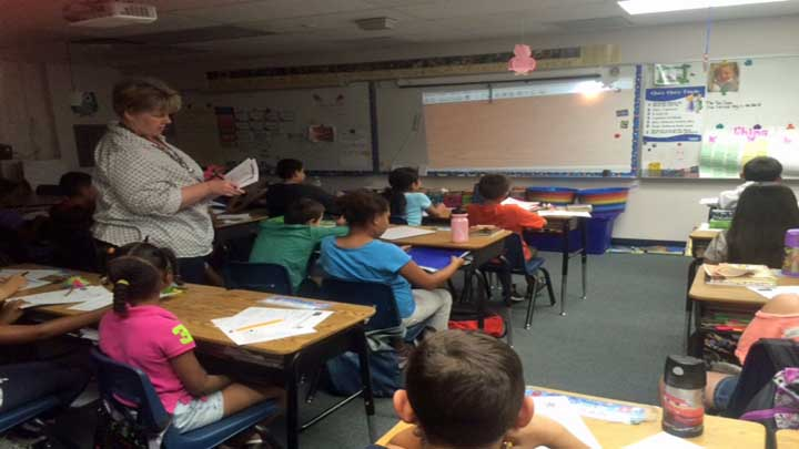 Generic_CCSD_kids_in_classroom_pict_taken_at_wright_elementary_720_1431580375954.jpg