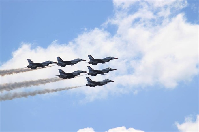 Thunderbirds at Daytona_-6002163644107895130