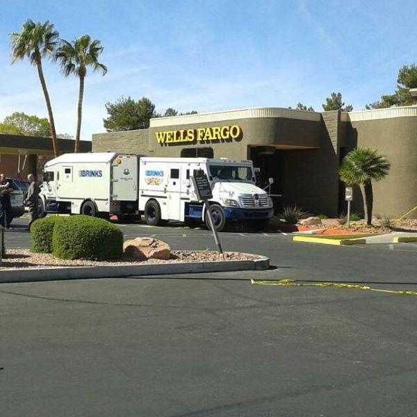 Wells_Fargo_armored_truck_robbery_2_1457559573152.JPG
