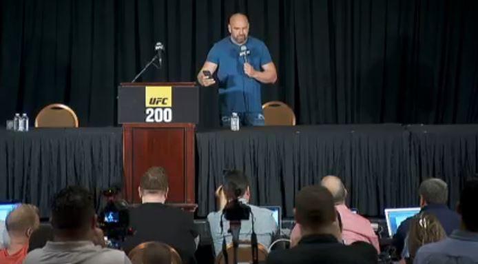 Dana_White_UFC_president_news_conference_1467864977080.JPG