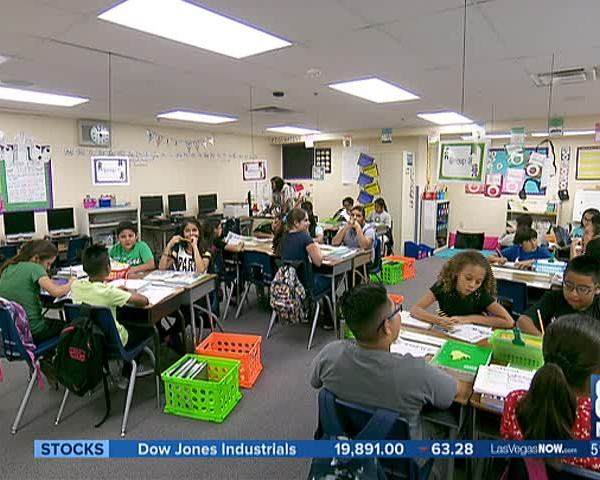Program trains teachers to help under-performing schools_29264478