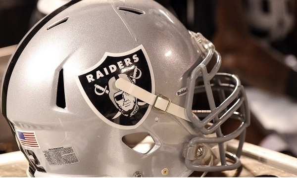 Oakland Raiders helmet_3704851673741612-159532
