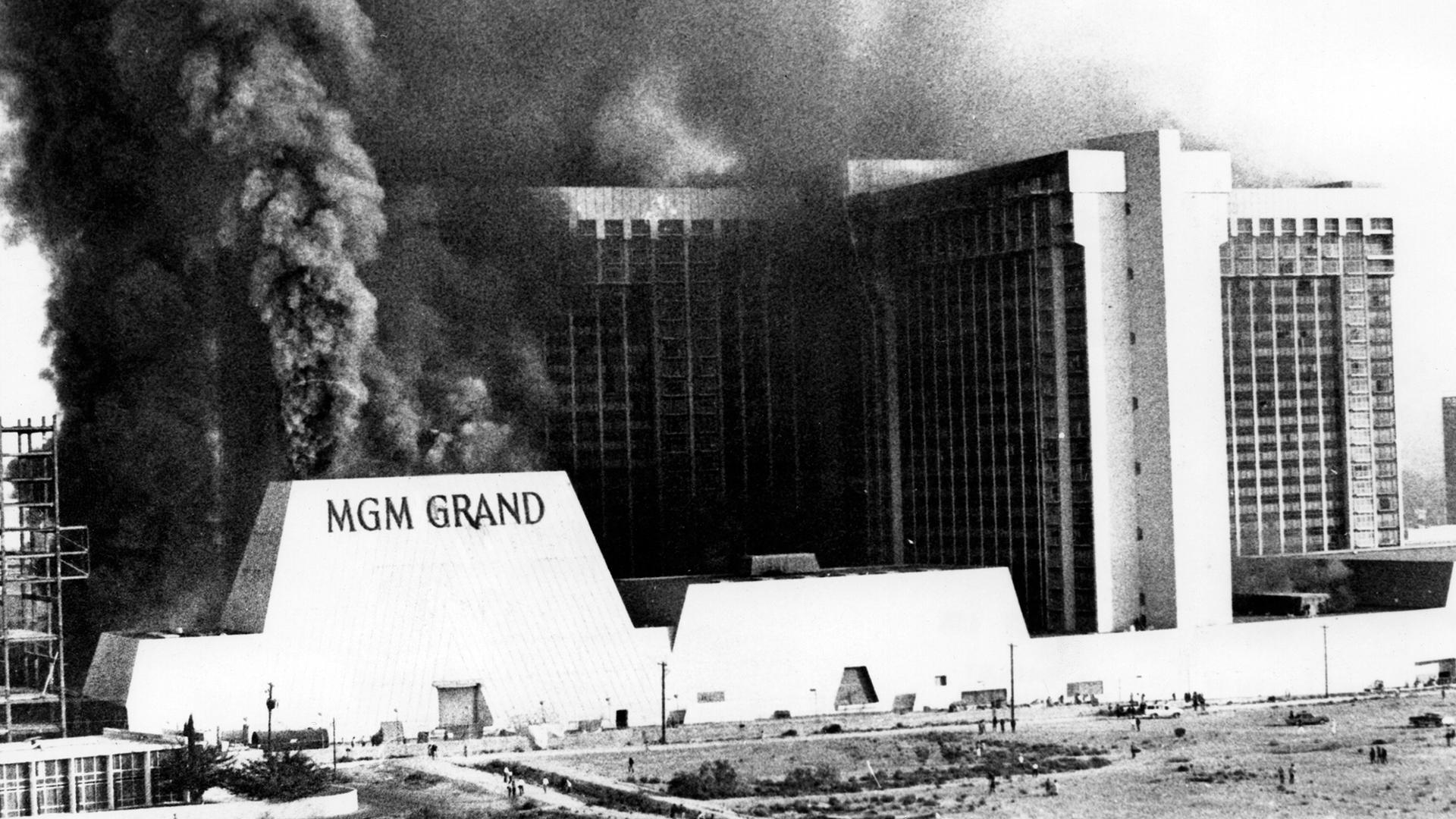 MGM Grand Las Vegas Fire in 1980-159532.jpg33209654