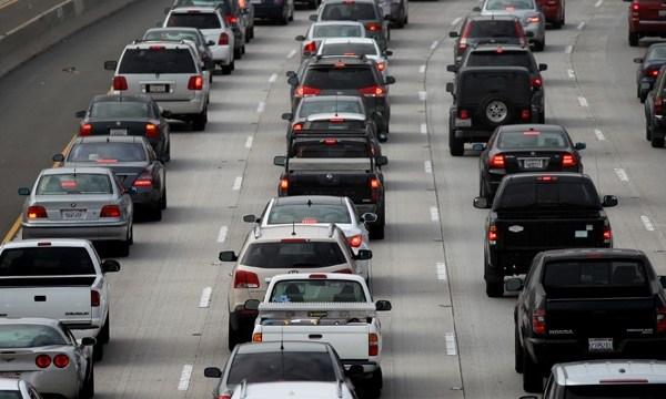 Cars, traffic, traffic jam, freeway, highway, congestion_3307918844590921-159532