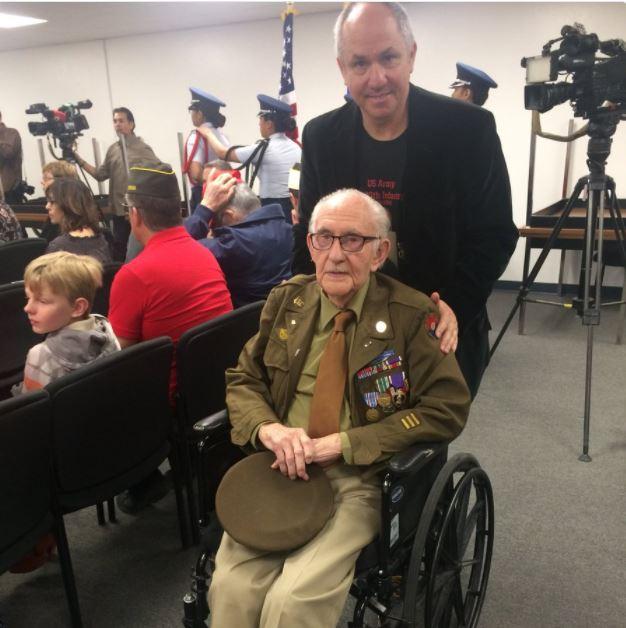 World_War_2_vet_receives_Bronze_Star_1514611300822.JPG