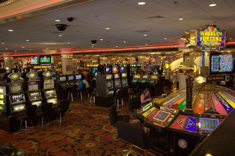 Casinos_slot_machins_generic_1515804830760.JPG