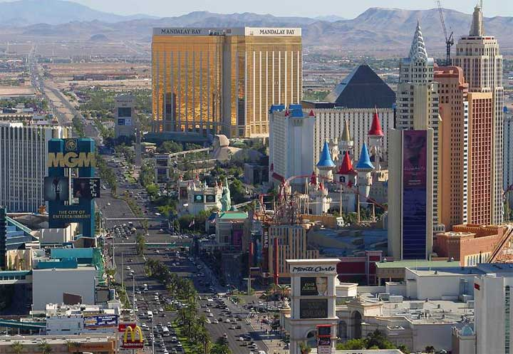 las_vegas_strip_700_1520624188545.jpg
