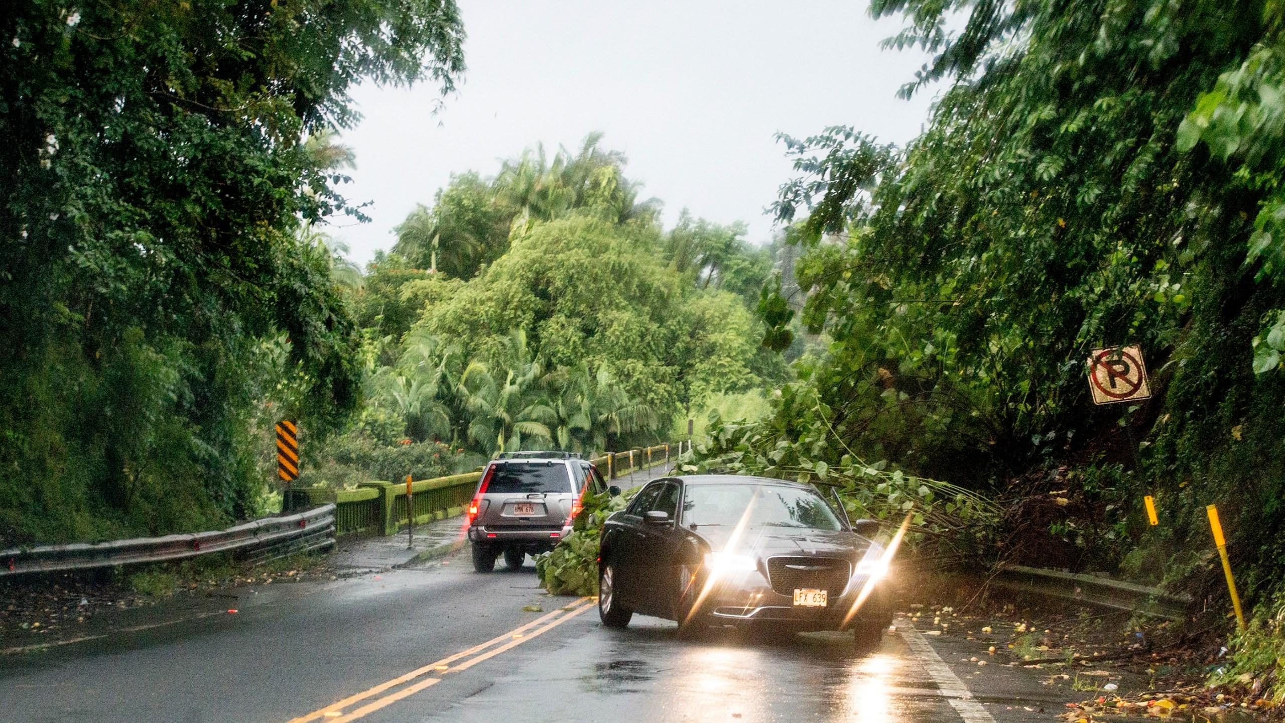 Hurricane_Lane_Hawaii_57323-159532.jpg27232784