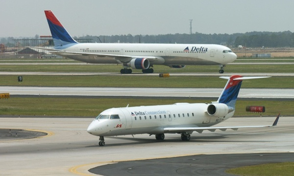 Delta Airlines jet, airplane_2045130431574213-159532