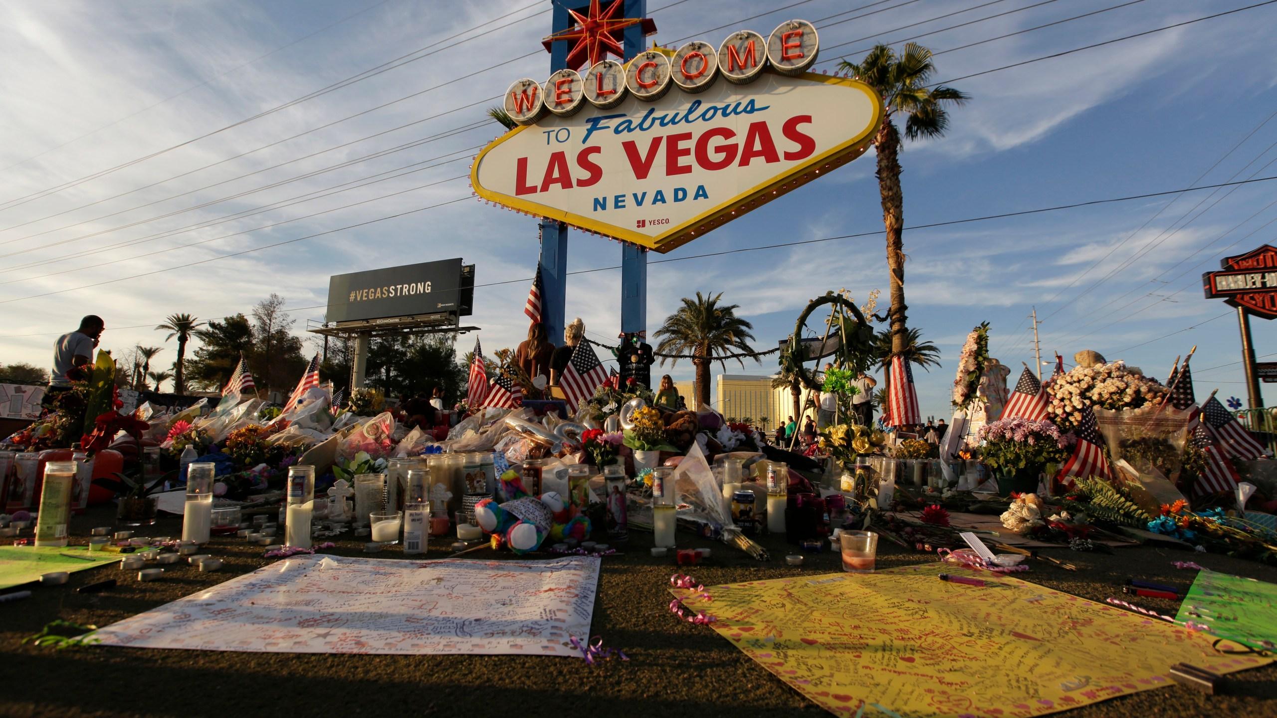 Las_Vegas_Shooting_82875-159532.jpg58105118