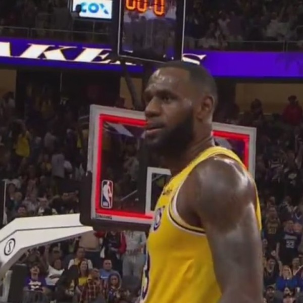 Lakers_beat_Golden_State_Warriors_in_Las_0_20181011063101