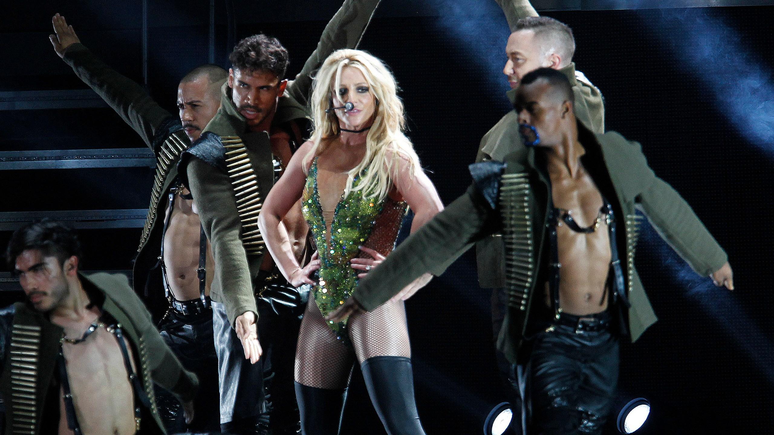 Music-Britney_Spears_63195-159532.jpg70409361