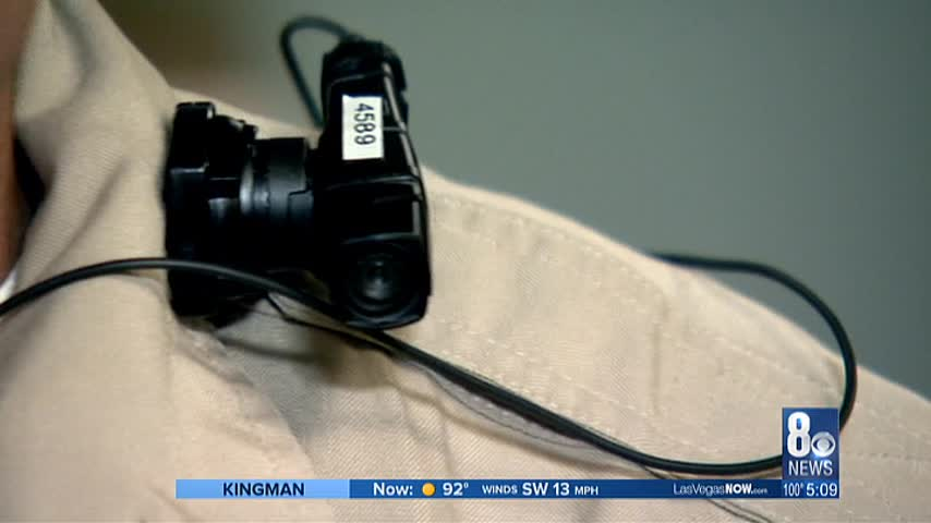 Report looks at use of police body cameras_55007905-159532