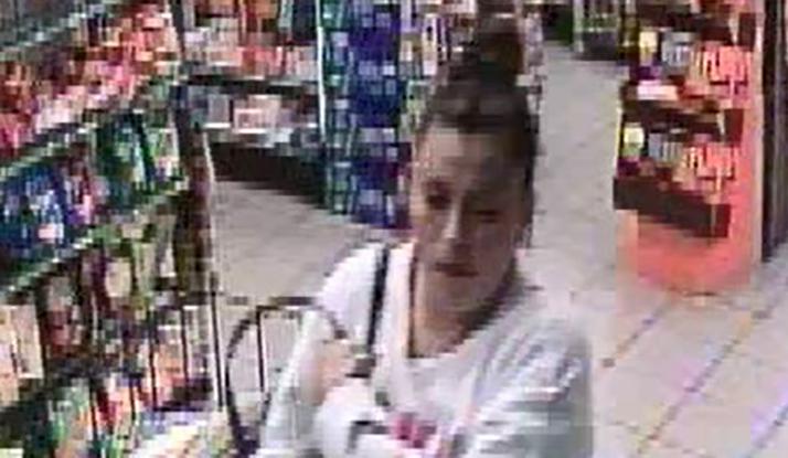 Robbery_suspect_woman_2_1553640410566.jpg