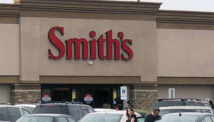 Smiths_store_700_1551488659161.jpg