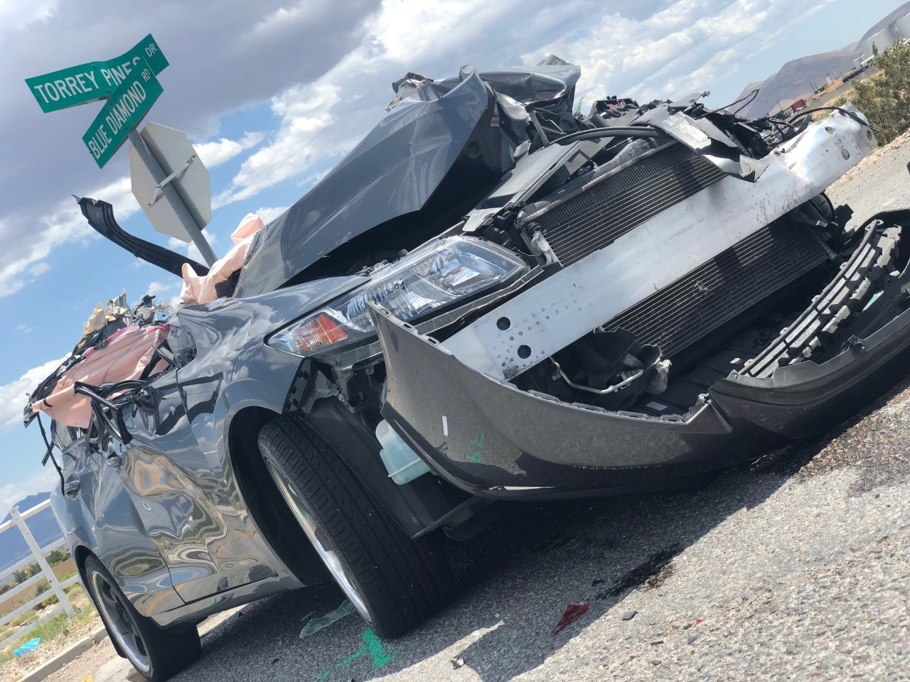 CORRECTION: No one died in major crash at Blue Diamond