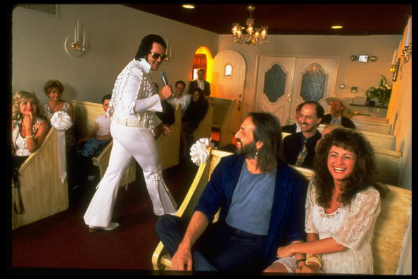 Elvis_impersonator_getty_4_1558548474622.jpg