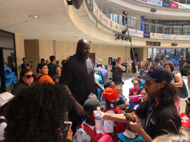 WEB EXTRA: Shaq teams up with Zappos to donate shoes, school supplies to Las Vegas kids