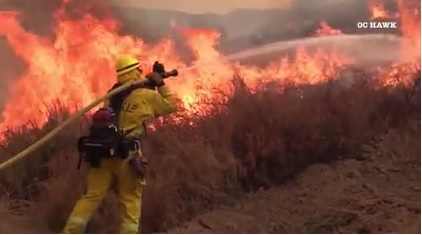 Firefighters battle California brush fires | KLAS - 8 News Now