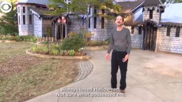 North Carolina man goes all out with Halloween decorated house