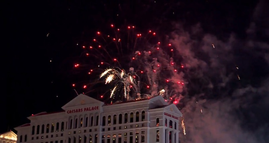 Vegasnye Las Vegas Rings In 2020 With Spectacular Fireworks Show Fox21 News Colorado