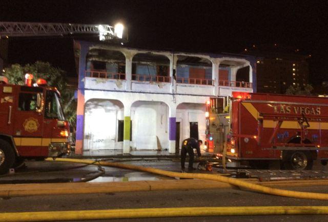 Fire destroys abandoned motel in downtown Las Vegas