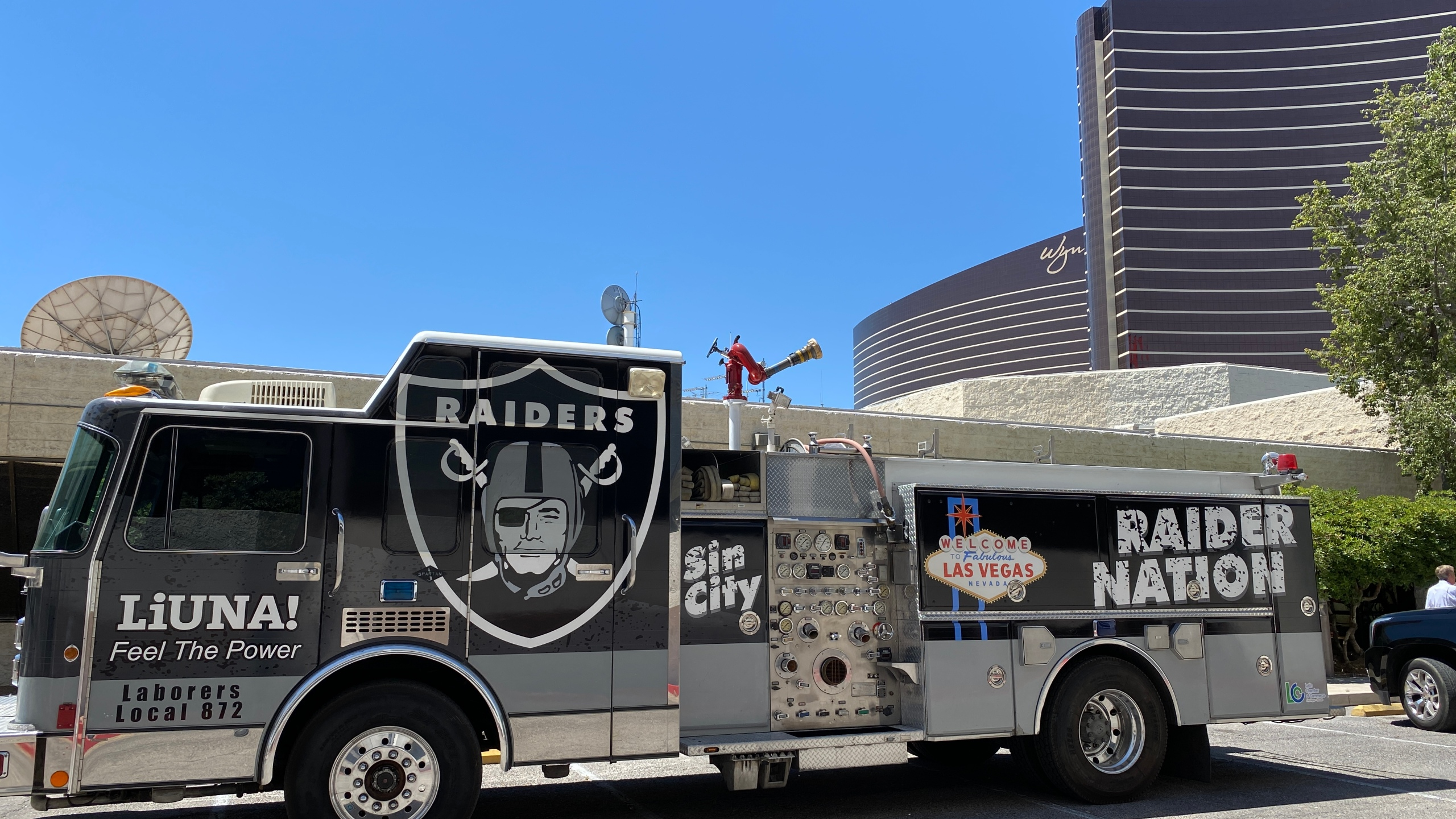 Raiders Fan Day Las Vegas Viewers Show Off Their Silver And Black Your Photos Klas