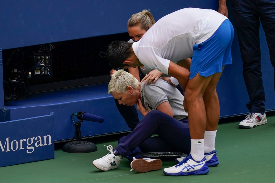 Djokovic Out Of Us Open After Hitting Line Judge With Ball Klas