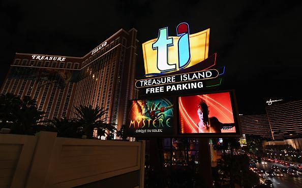 Shot Fired In Treasure Island Hotel Room Results In Barricade Klas